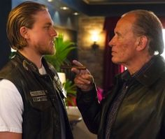 "Peter Weller will direct ""Sons of Anarchy"" Season 6 episode 11, which he calls the ""big climax."" ""There's a two-part finale, but the climax is -- some stuff really happens, man,"" he tells Zap2it."