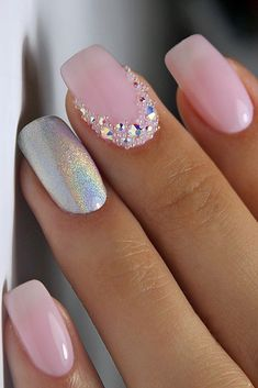 80 Wedding Natural Gel Nails Design Ideas for Bride in 2019 – Styles Art – Daily Fashion Fancy Nails, Trendy Nails, Pink Nails, Pink Holographic Nails, Natural Gel Nails, Nagel Hacks, Nails Polish, Art Nails, Wedding Nails Design