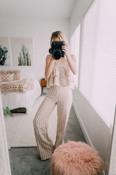 It's house tour time! I did a room tour a while back so I will link that post here, but today I am showing you all the rest of the house! Our house isn't finished… Aspyn And Parker, Summer Outfits, Cute Outfits, Spring Looks, Spring Style, House Tours, Dress To Impress, Dress Up, Style Inspiration