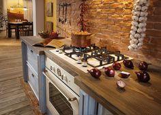 Il forno e il piano cottura a gas della Linea Classico di Gorenje, incassabili in vani standard da 60 cm, sono qui proposti nella finitura