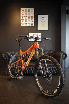 Santa Cruz 5010 650b Carbon Trail Bike..