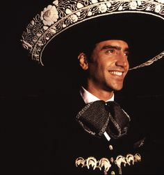 Alejandro Fernandez NO ONE FILLS A MARIACHI'S HAT LIKE HE DOES AJUYA!!!!