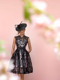 (Foto 21 de 26) Traje de cóctel realizado en encaje con falda con bolsillos, Galeria de fotos de Vestidos de cóctel para una boda de día