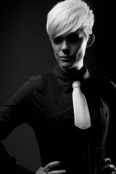 Take That—Girls with Attitude is the latest collection from Jean Witte, co-owner with Shawn Nichols, of Synergy Hair Intercoiffure in Cape Town, South Africa. Short Sassy Hair, Short Hair Cuts For Women, Short Hair Styles, Short Cuts, Love Hair, Great Hair, 2015 Hairstyles, Cool Hairstyles, Casual Hairstyles