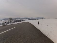 Winterliche Runde über Staffelegg und Bözberg  Vollständiger Bericht bei: http://agu.li/Li  Eine Runde über die Staffelegg und den Bözberg. Der Versuch, sich in der Mitte zwischen nicht frieren und nicht schwitzen zu bewegen. Das GPS meint: 37.08 KM und 668 Höhenmeter.