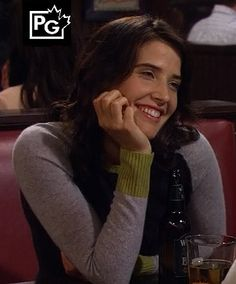 Robin's grey, green and navy colorblock sweater on How I Met Your Mother Tv Show Outfits, Cool Outfits, Robin Scherbatsky, Cobie Smulders, How I Met Your Mother, Stitch Fix Stylist, Color Block Sweater, Color Blocking, Autumn Fashion