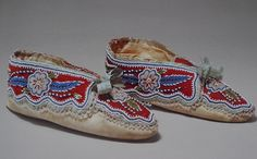 moccasins from the Huron peoples, Wendake quebec, dating from the 1840. Made with native-tanned skin, wool and cotton trade cloth, silk ribbons and glass beads.Ralph T.Coe Collection of American Indian Art | Nomadic Songlines