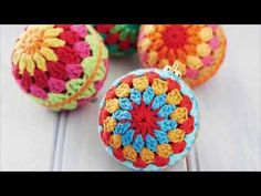 Boules de Noël au crochet - YouTube Crochet Video, Crochet Diy, Christmas Themes, Christmas Decorations, Crochet Projects, Sewing Projects, Baby One More Time, Crochet Earrings, Creations