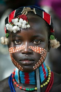 Etiopia-Young girl from the Hamer tribe in the south Omo region of Ethiopia African Tribes, African Women, African Art, African Children, Black Is Beautiful, Beautiful World, Beautiful People, Beautiful Pictures, Cultures Du Monde