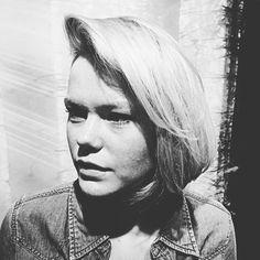 •I Rule• #photographer #instaphoto #instahair #fashion #killerscut #fridashaircut #reverbbrands #revlon #blondehair #blondhairdontcare #highlights  #model #sweden #beauty