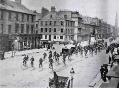 Visit Edinburgh, Edinburgh Scotland, Edinburgh University, Our Town, Travel Around, Old Photos, Cycling, Street View, Club