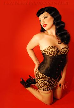 #MissMissyPhotography #OldHollywood #Burlesque #Pinup #PinupGlamour https://www.instagram.com/missmissyphoto/ #Bettie