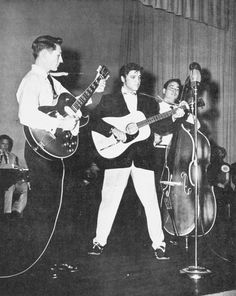 Scotty Moore: seen here in 1956 playing with Elvis. Scotty Moore fused, jazz, blues, country along with rockabilly and without knowing it created a new style of music, they called Rock n' Roll. Rockabilly Guitar, 50s Rockabilly, Are You Lonesome Tonight, Scotty Moore, Elvis Presley Graceland, Bill Haley, Rock And Roll History, Pat Boone, Young Elvis