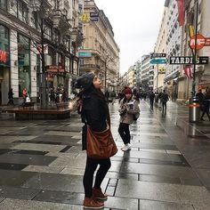 Karntner Strasse District, Wien 🇦🇹 (excuse the photo bomber) #kärntnerstrasse #wien #vienna #austria #lastravels2017 #wanderlust #whereandwien