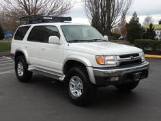 2001 Toyota 4Runner 4X4 DIFF LOCKS / TIMING BELT REPLACED / LIFTED !!! - Photo 2 - Portland, OR 97217