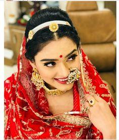 Rajasthani culture Maang Tikka Design, Tikka Designs, Bridal Nose Ring, Bridal Bun, Wedding Looks, Bridal Looks, Rajasthani Dress, Rajputi Jewellery, Royal Girls