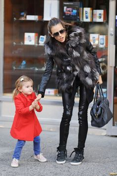 Alessandra Ambrosio Photos - Supermodel Alessanda Ambrosio is spotted out with her daughter Anja Louise enjoying the day in SoHo. Ambrosio sports a fur vest staying warm int he cold NYC weather. - Alessandra Ambrosio Out in Soho Daily Fashion, Love Fashion, Girl Fashion, Winter Fashion, Street Chic, Street Style, Mommy Style, Little Fashionista, Fall Outfits