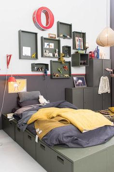 Most Inspiring Fun and Catchy Yellow Bedroom Ideas You'll Admire All White Bedroom, Gold Bedroom, Jugendschlafzimmer Designs, Boys Bedroom Paint, Teen Bedroom Designs, Bedroom Ideas, Student Room, Neutral Bedrooms, Teenage Room
