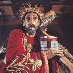 Jesús el que todo lo ve y conoce. Quien de mis angustias me rescata. #cucuruchoenguatemala #jesusdelrescate #loquenosdejael2016