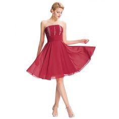 af274f1d09c2 15 najlepších obrázkov z nástenky Červené spoločenské šaty