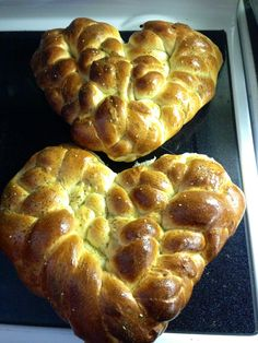 Chana Kallah Heart Challah.  Just pulled out of the oven for Shabbat.