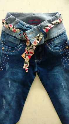 Pin de hanny bakker em naaien старые джинсы, джинсы e одежда. Diy Clothes Jeans, Diy Clothes Tops, Remake Clothes, Diy Summer Clothes, Diy Clothes Rack, Diy Clothes Refashion, Diy Clothes Videos, Clothes Crafts, Altering Jeans