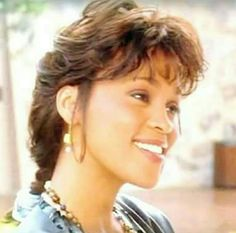 Whitney - we were twins back in the day. Whitney Houston, Beverly Hills, Soul Musik, Famous Songwriters, Art Of Seduction, Gone Girl, Black Celebrities, Auburn Hair, Pretty Eyes