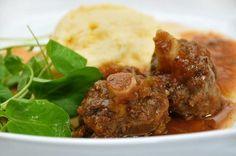 Aprenda a preparar rabada de forma muito fácil, clique na imagem! #rabada #pratoprincipal #receitas #comida #Brasil #carne #TudoReceitas