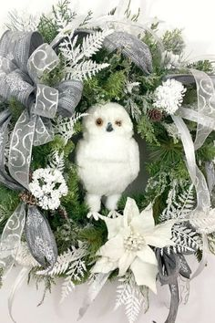 White Owl Wreath, Snow Owl Wreath, White Wreaths for Front Door, Front Porch Decor, Winter Wreath, Outdoor Wreath, Evergreen Wreath