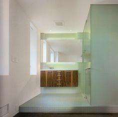 bathroom of carr apartment architect craig steely photo rien van rijthoven aarchitect office hideki