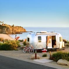 RV airstream at the beach Camping Spots, Camping Glamping, Camping Ideas, Beach Camping, Camping Essentials, Outdoor Camping, Camping Trailers, Camping Supplies, Camping Stuff