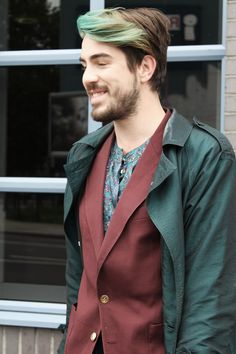 Paisley plays a part in this trio of Green and Burgundy. Shoreditch Style