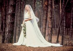 8 Capable Cool Ideas: Wedding Dresses Bohemio Boho Chic wedding gowns with sleeves crop tops.Wedding Dresses Vera Wang Blush wedding dresses for curvy women do you. Country Wedding Dresses, Classic Wedding Dress, Colored Wedding Dresses, Modest Wedding Dresses, Designer Wedding Dresses, Wedding Gowns, Lace Wedding, 2017 Wedding, Bling Wedding