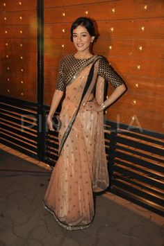 Amrita Rao (In Payal Singhal), Kalki Koelchin (In Sabyasachi) and Kajal Aggarwal (in Monisha jaisingh) walked the red carpet at the Filmfare Awards Indian Look, Indian Ethnic Wear, Indian Girls, Indian Blouse, Indian Sarees, Indian Dresses, Indian Outfits, Indian Clothes, Ethnic Outfits