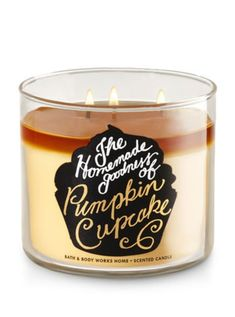 Bath & Body Works HomeThe Homemade goodness of Pumpkin Cupcake scent is a blend of whipped buttercream, madagascar vanilla, pumpkin spice, freshly baked cupcakeLimited Edition 2017 candle featuring beige wax, decorative cup labeling and metal lid Bath Candles, Candles And Candleholders, 3 Wick Candles, Scented Candles, Yankee Candles, Bath Body Works, Perfume, Cupcake Candle, Home Scents