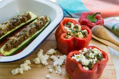 Take your favorite stuffed bell peppers and cook them in your crockpot. You can easily make this recipe hours before dinner. Whole 30 Stuffed Peppers, Italian Stuffed Peppers, Taco Stuffed Peppers, Slow Cooker Recipes, Crockpot Recipes, Fresco, Tapas, Cooking Tips, Cooking Recipes