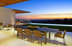 Casa Trousdale / Studio William Hefner, Beverly Hills, California http://www.arquitexs.com/2014/09/Casa-Trousdale-Studio-William-Hefner-Beverly-Hills.html