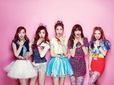 SNSD/ Girl's Generation Taeyeon, Tiffany, Yoona, Sooyoung, Hyoyeon