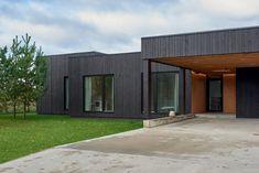 House in Pilaite by Inblum