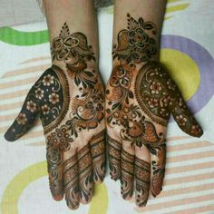 Are you looking for some fascinating design for mehndi? Or need a tutorial to become a perfect mehndi artist? Mehndi Designs Book, Floral Henna Designs, Indian Mehndi Designs, Mehndi Designs 2018, Stylish Mehndi Designs, Mehndi Designs For Fingers, Wedding Mehndi Designs, Mehndi Design Pictures, Beautiful Henna Designs