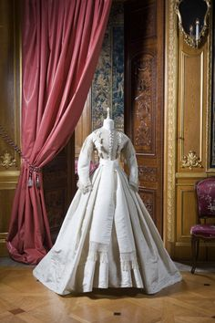 Wedding dress of Wilhelmina von Hallwyl, 1865