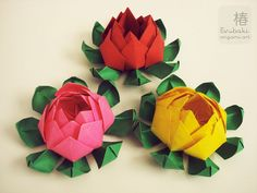 Loto Origami Flowers by Tsubaki Origami Art.