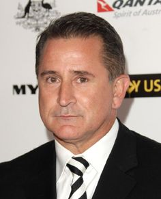 Anthony LaPaglia. He won the award for Best Performance by an Actor in a Television Series - Drama 2004 for his role in Without a Trace.