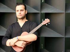 """O cantor e compositor Paulo Carvalho sobe ao palco do Sesc Pinheiros para lançar seu segundo álbum intitulado """"O amor é uma religião"""". A apresentação acontece no dia 8, às 20h30, com entrada até R$ 16."""
