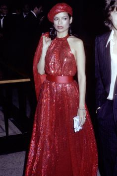 In Photos: Bianca Jagger's Iconic Style - HarpersBAZAAR.com Red Fashion, Holiday Fashion, Classic Fashion, Fashion Styles, Bianca Jagger, Mick Jagger, Classic Beauty, Classic Style, Boogie Wonderland