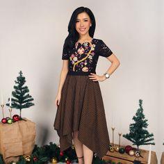 Batik Fashion, Women's Fashion, Fashion Outfits, Kebaya Brokat, Batik Dress, Dress Ideas, Dan, Dress Up, Ootd