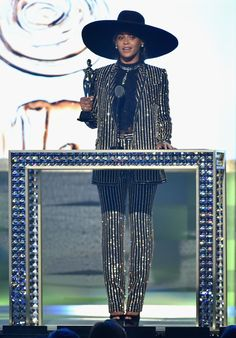 "beyonic: "" adoringbeyonce: "" ""Beyonce accepts CDFA Fashion Icon Award onstage at the 2016 CFDA Fashion Awards at the Hammerstein Ballroom on June 6, 2016 in New York City."" "" This look """