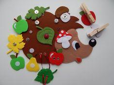 Дидактическая многофункциональная игра из фетра «Семья ежей». Воспитателям детских садов, школьным учителям и педагогам - Маам.ру Diy Educational Toys For Toddlers, Felt Crafts Dolls, Cute Diy Projects, Felt Quiet Books, Autumn Crafts, Toy Craft, Sewing Toys, Stuffed Toys Patterns, Xmas Decorations