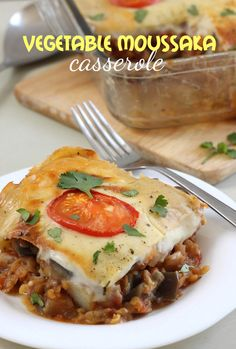 Looking for Fast & Easy Main Dish Recipes, Vegetarian Recipes! Recipechart has over free recipes for you to browse. Find more recipes like Vegetable Moussaka Casserole. Vegetarian Entrees, Vegetarian Recipes Easy, Veggie Recipes, Dinner Recipes, Cooking Recipes, Healthy Recipes, Vegetarian Options, Eggless Recipes, Eggless Baking