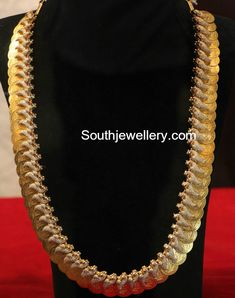 Kasulaperu latest jewelry designs - Page 6 of 46 - Indian Jewellery Designs Indian Jewellery Design, Latest Jewellery, Indian Jewelry, Jewelry Design, Gold Jhumka Earrings, Gold Earrings Designs, Necklace Designs, Diamond Necklaces, Diamond Jewellery